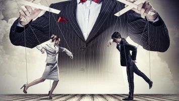 Психологические приемы манипулирования: как нам затыкают рот